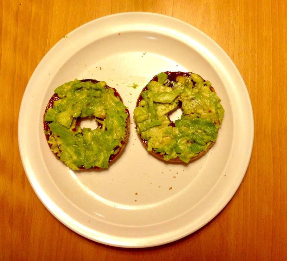 bagel jelly avocado