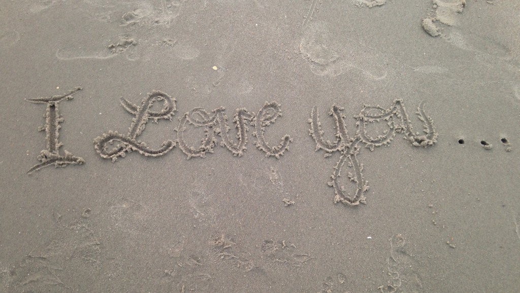Iloveyou_in_the_Sand