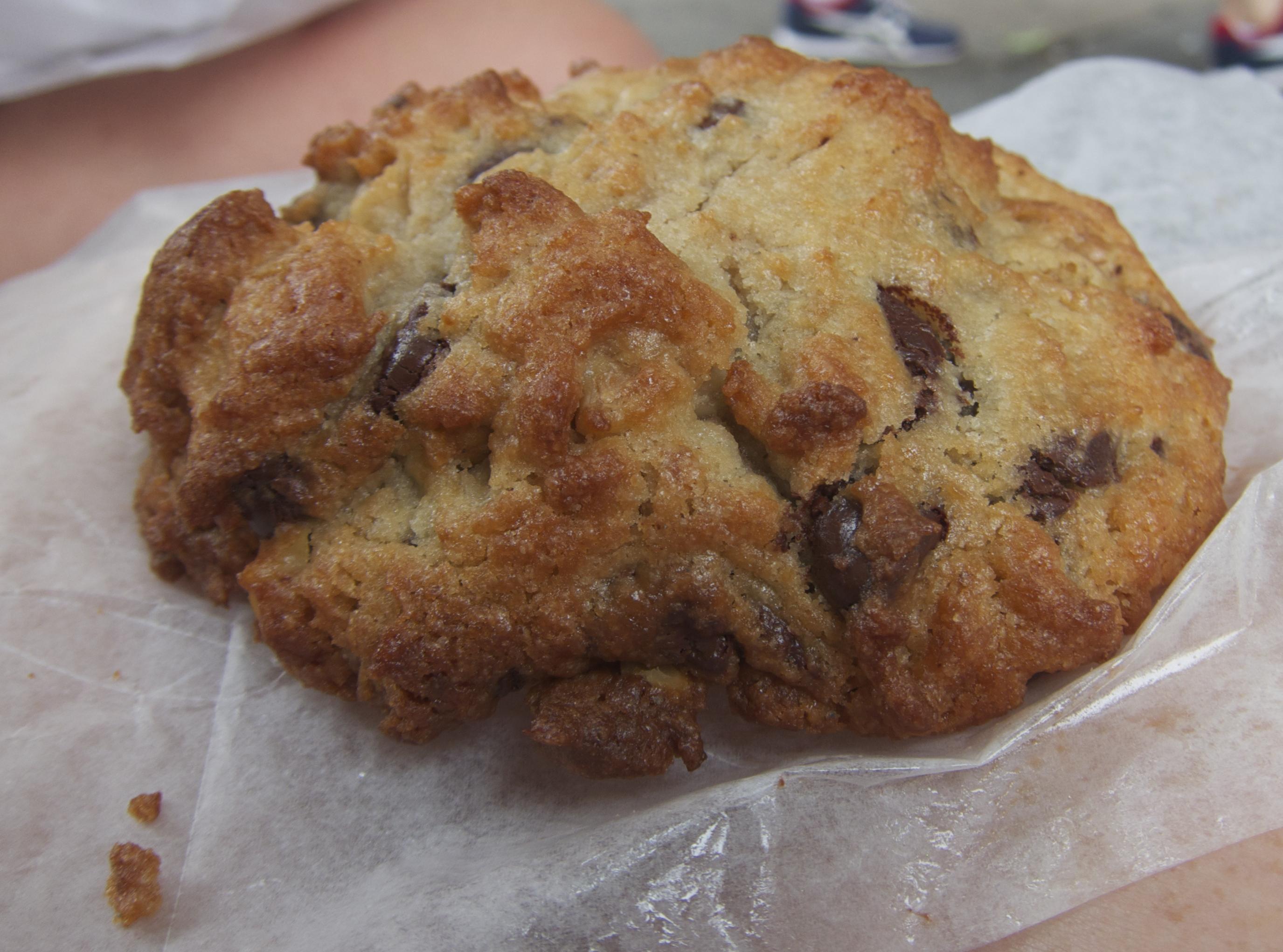 Levain_cookie