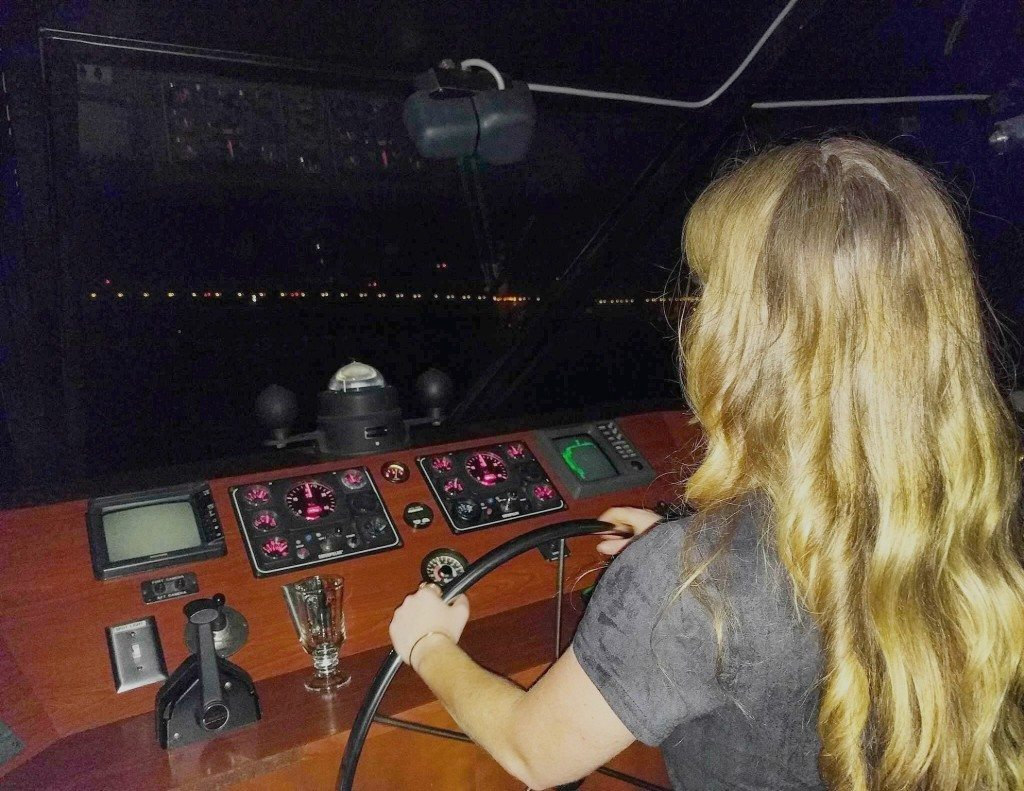 balancing_the_yacht