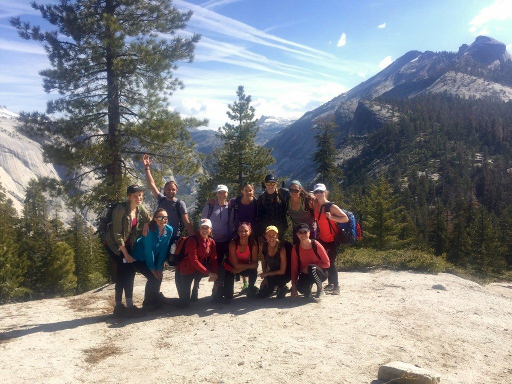 yosemite_hiking_group