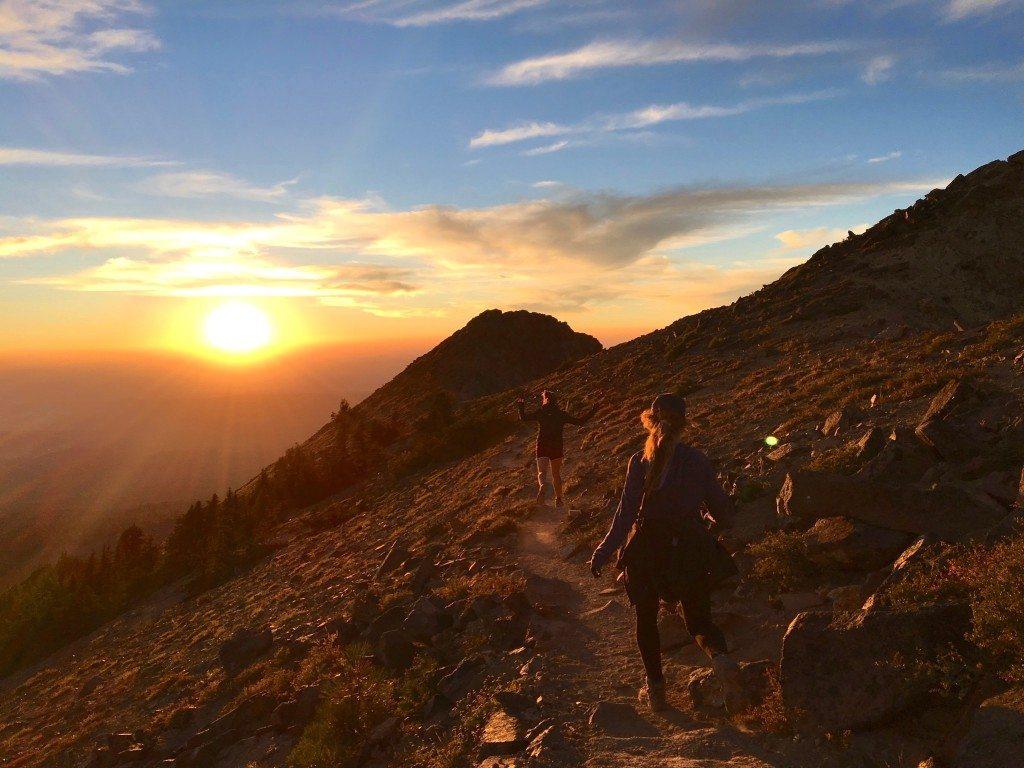 hiking_brokeoff